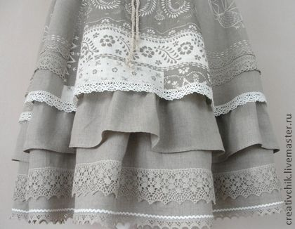 Юбка льняная авторская с натуральным кружевом. Льняная авторская юбка, 'многоуровневая'    Пояс эластичный. Юбка на главном фото сшита на размер48 (подходит для размеров 44-48).    Юбка составлена из кусочков разного льна, украшена льняным кружевом и ручной вышивкой.