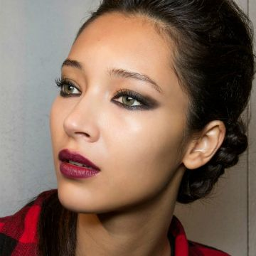 The Right Way to Wear Berry Makeup ThisFall | Daily Makeover