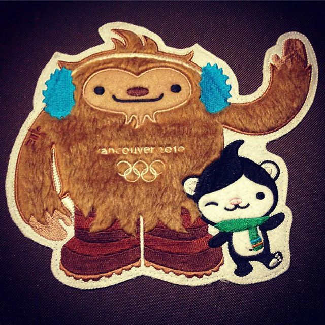 The 2010 Winter Olympic mascots were designed by the same people who created the #Octonauts . I love them ❤️❄️⛄️❄️ #Vancouver #Olympics mascots #Quatchi and #Miga #2010 #kawaii #meomi