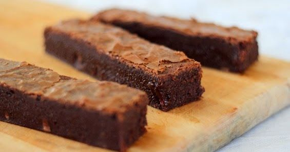 Baking Makes Things Better: Pret Chocolate Brownie
