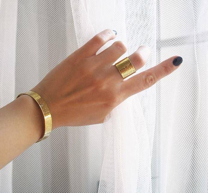 Válaszd Te is a the Mama Kin aranyozott ékszereit! wink hangulatjel  Gyűrű: 9 900.- Karkötő: 10 900.-