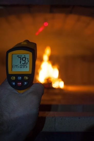 Building a wood fired bread and pizza oven - First curing fire monitoring using infra-red thermometer