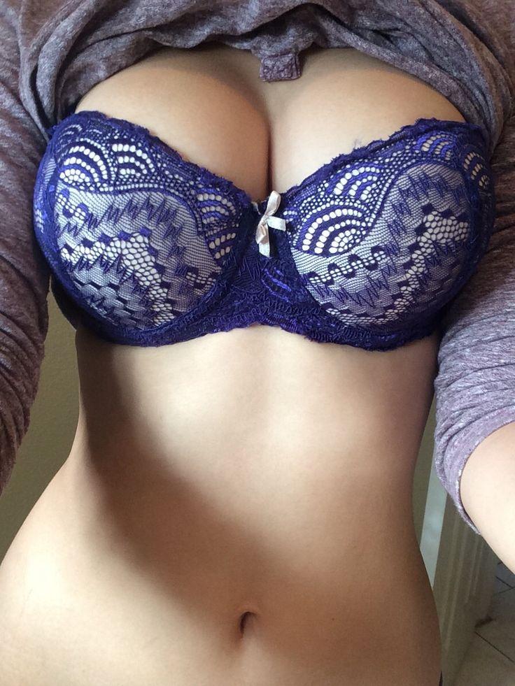 страстные картинки девушек в лифчиках с большой грудью - 14