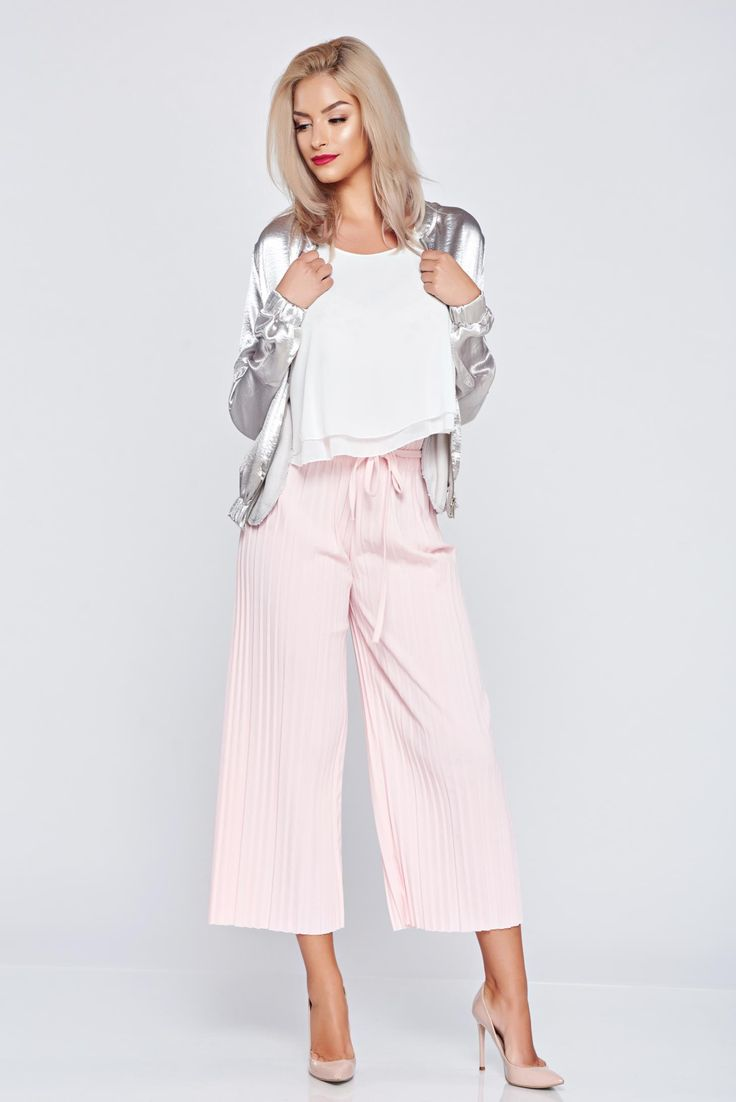 Comanda online, Pantaloni cu croi larg cu elastic in talie rosa cu pliuri de material. Articole masurate, calitate garantata!