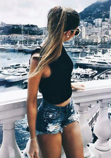 Look jeans mega estiloso , para quem quer apostar em um jeans mais justo e se arriscar 《 pinterest : @Lariifreitas 》