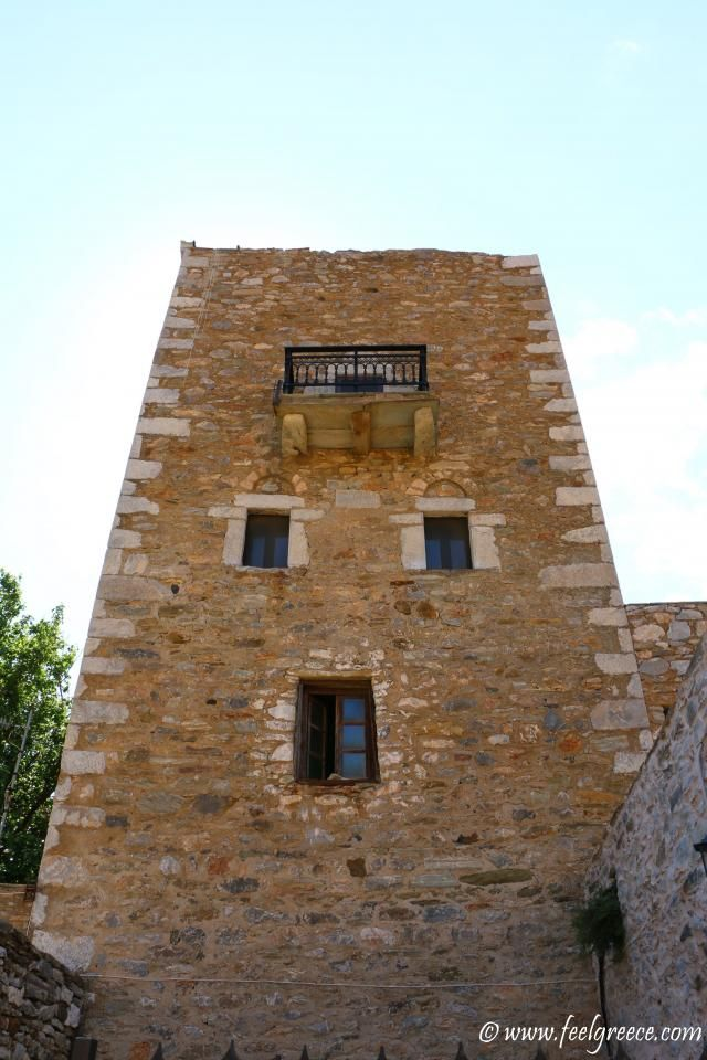 Tower house in Vathia