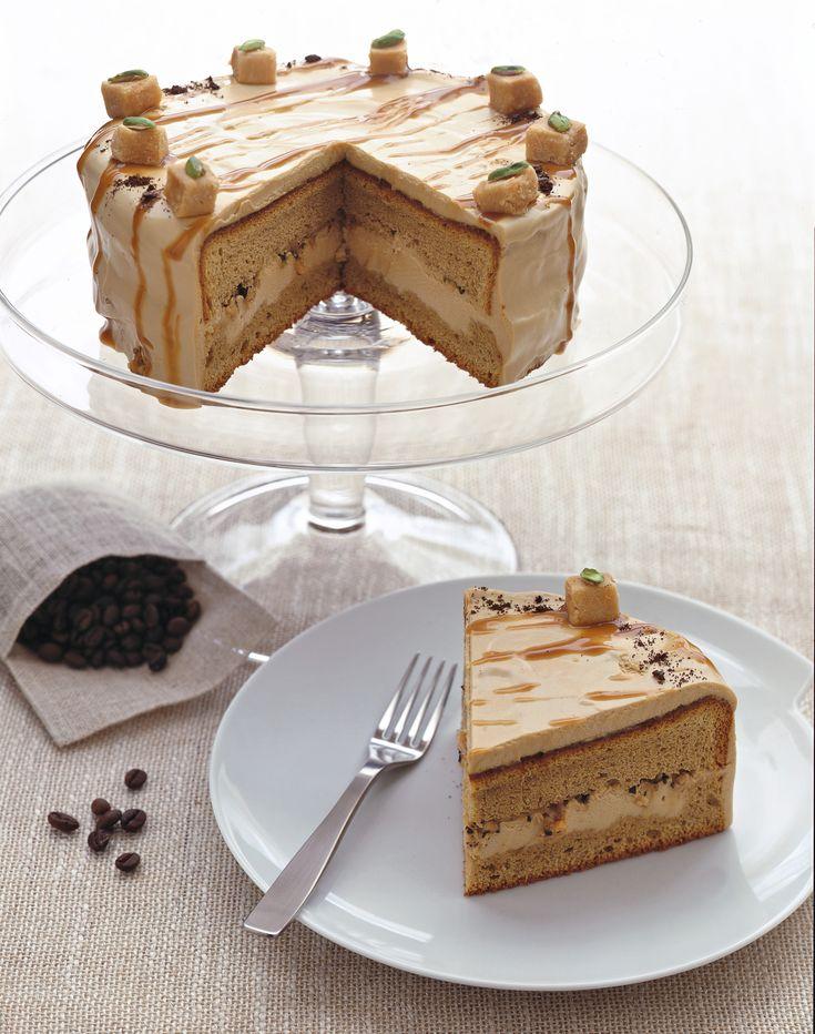 Cerchi una torta al caffè molto speciale? Prova questa ricetta con golose caramelle mou e morbida crema al caffè. Una vera delizia per occhi e palato!