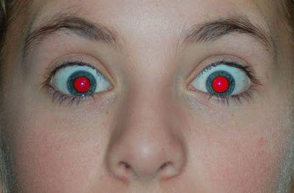 CENTRO ÓPTICO Juan Ramón TENA: Los #ojosrojos en las fotos. ¿Te suele pasar?