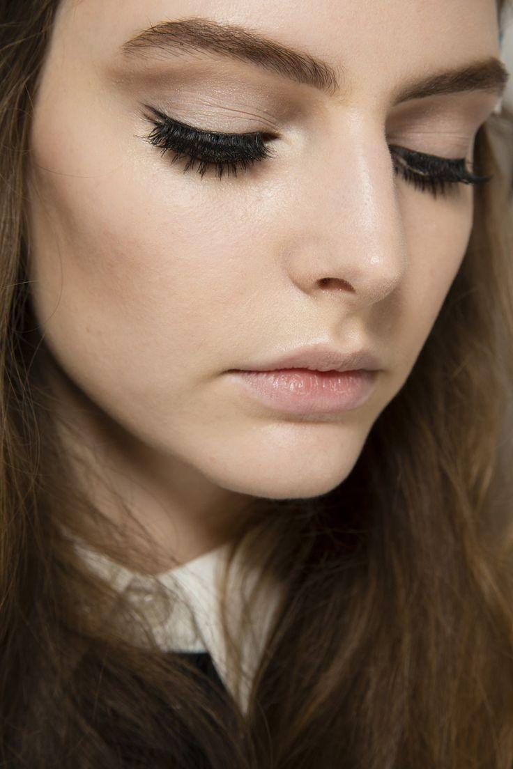 Gucci, runway makeup, RTW Autumn / Winter 2014, by Pat McGrath. Photo: InDigital #Gucci_runway_makeup_2014 #MFW