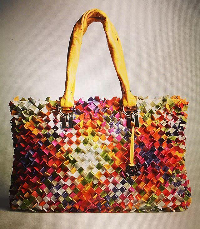 Genuine #ostrich handbag 👜 from #vialamoda archives