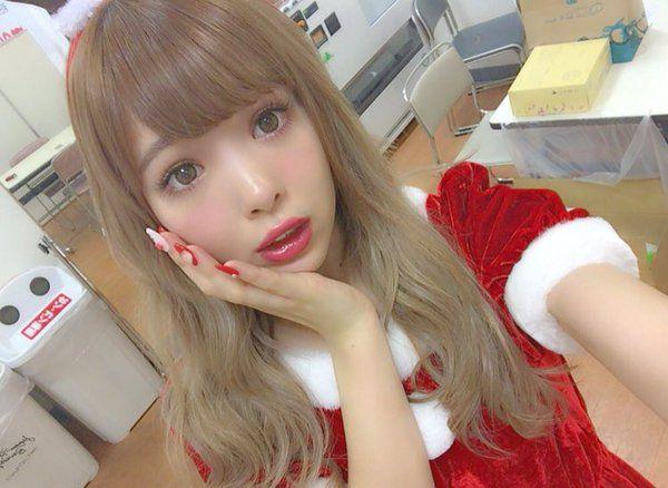 藤田 ニコル(にこるん) @0220nicole メリークリスマス いい子にしてたらにこるん サンタが来るかもよ? わたしにもサンタ来ないかなー。