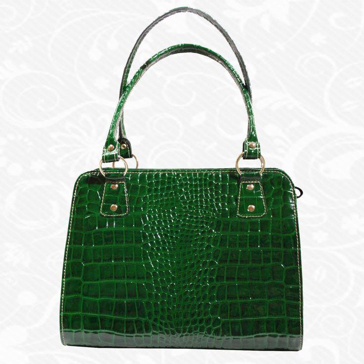 Štýlová dámska kožená kabelka je praktický a krásny módny doplnok