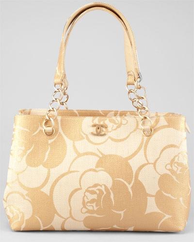 Chanel ~ Woven Raffia Camellia Shoulder Bag www.nestrefresh.com - whatever floats your boat
