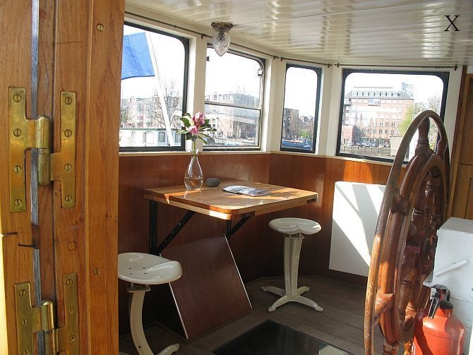 Amsterdam - Bed & Breakfast - Motor Ship Luctor - Houseboats Amsterdam