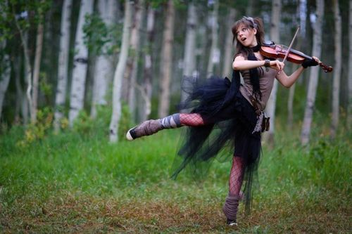 lindsey stirling outfits   Lindsey has some of the most original outfits/hairdos and it's even better because she's a completely genuine, down-to-earth person.