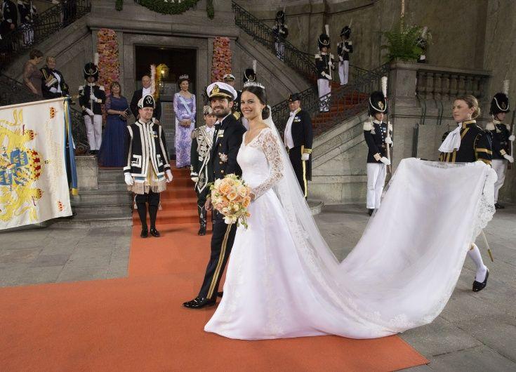 Kensington Palace Royal Wedding Dresses Book : Royal wedding dresses weddings dressses crown princess