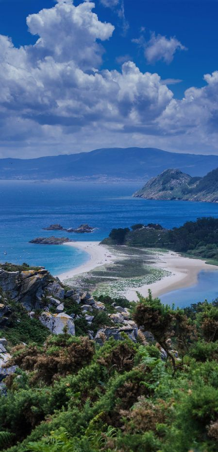 Wow and wow! Such a beautiful place. Cies Islands, Pontevedra, Spain (Photographer: Santiago M.C.)