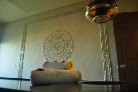 Kutch on a spa wall..