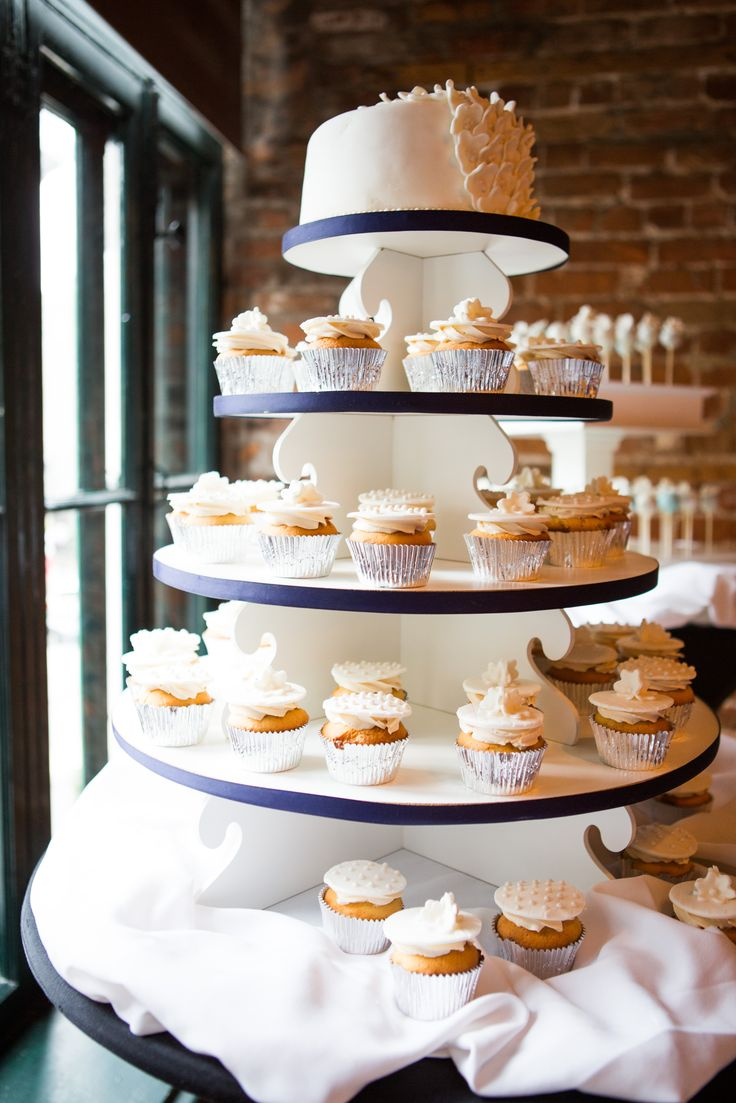 Paula and Mike's wedding cake! <3