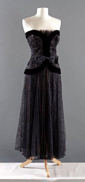 Robe noire yves saint laurent
