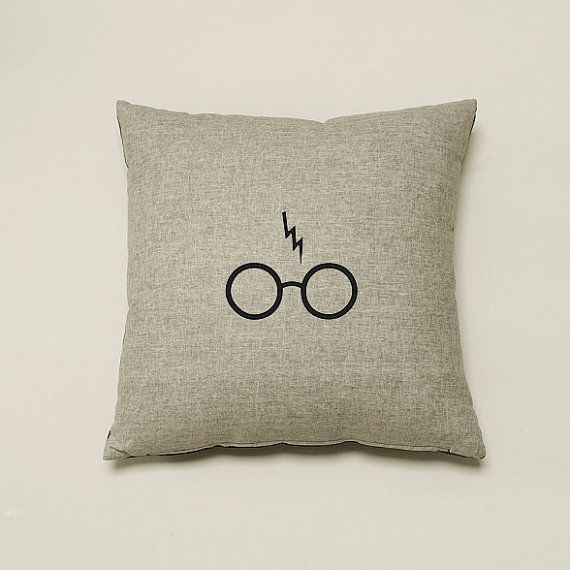 Harry Potter Print- 18 x 18 Pillow Cover
