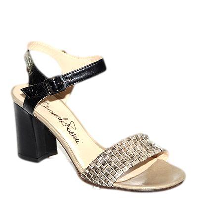 #Sandalo con il tacco medio in pelle beige e nera di #EmanuelaPasseri http: