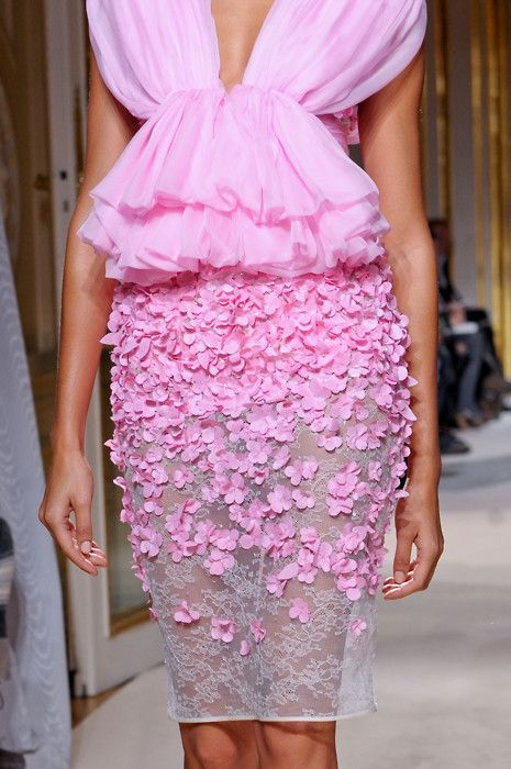 Giambattista Valli Haute Couture   That is pretty in pink!
