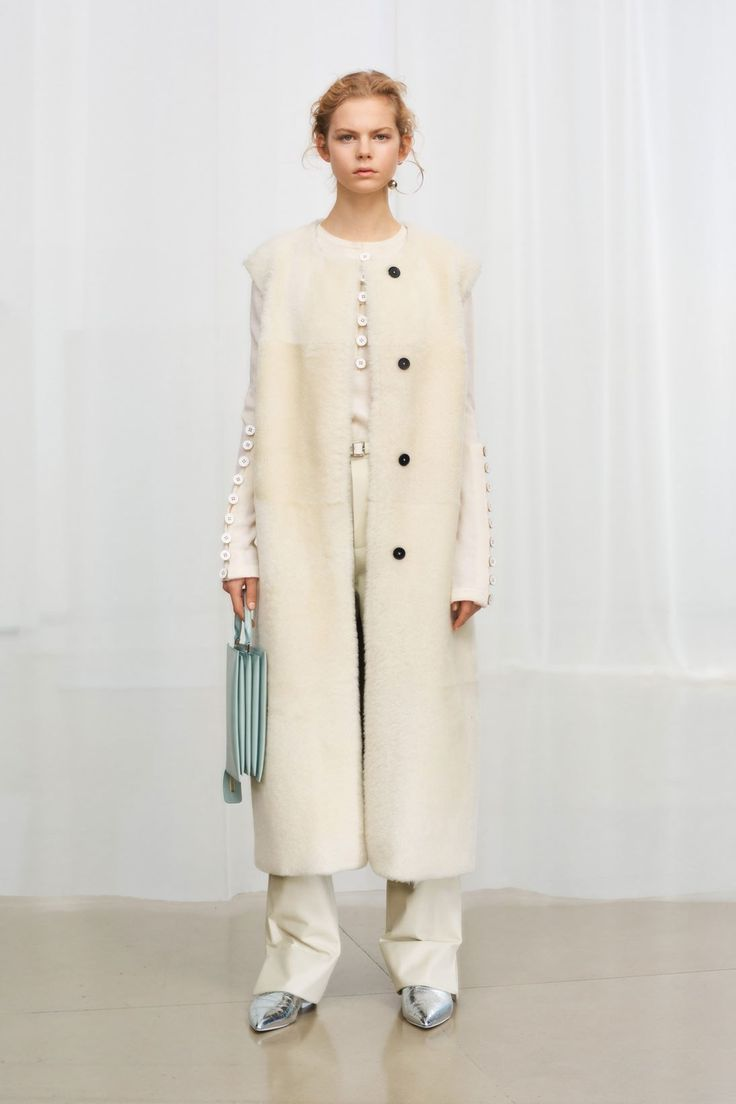 Jil Sander Pre-Fall 2018 Collection Photos - Vogue