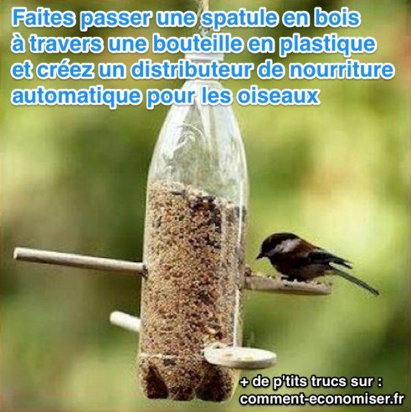 Voici une astuce très simple pour créer un distributeur automatique de graines pour les oiseaux.  Découvrez l'astuce ici : http://www.comment-economiser.fr/creer-facilement-distributeur-automatique-oiseaux.html?utm_content=buffer883d3&utm_medium=social&utm_source=pinterest.com&utm_campaign=buffer