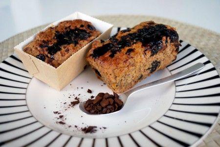 Disse små lækre brød er perfekte til madpakken, på farten eller som eftermiddags snack :-)  Opskriften er glutenfri, hvedefri, laktosefri, mælkefri, sojafri og ægfri. De lækre brød egner sig også til dig på low FODMAP diæt – så længe du holder dig til ca. ét-to brød pr. dag.