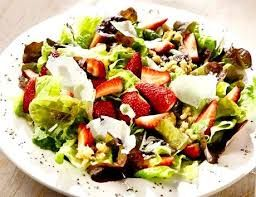 Homemade White Balsamic vinaigrette. Theme Restaurant Copycat Recipes: The Melting Pot Strawberry Fields Salad