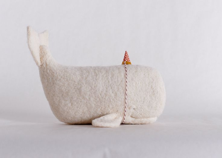 felt whale, party hat, super cute character. kids, decoration, DIY
