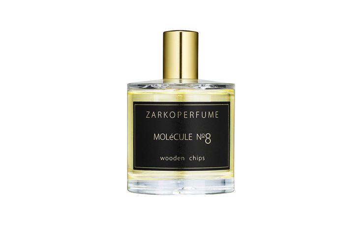 Zarkoperfume Molecule No 8 – ein Parfum, das in einem Holzgefäß reift. Zu den verwendeten Rohstoffen werden Hobelspäne eines Agrarholzes hinzugefügt, die nach einer gewissen Zeit wieder entnommen werden. #zarkoperfume #nischendüfte #beauty #molecule #parfum #oud #parfumerie