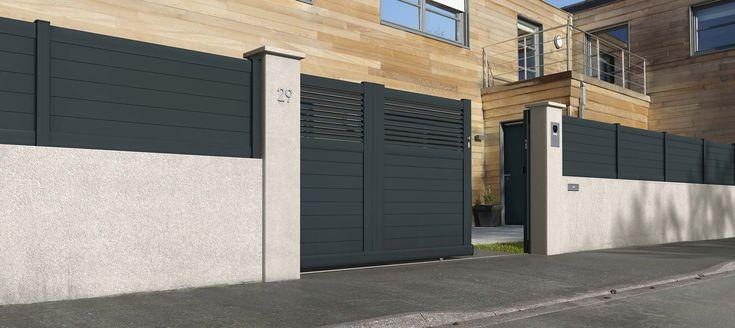 Portail coulissant modèle DOLOMITE ajouré http://www.lapeyre.fr/menuiseries/portails/coulissants/alu/portail-coulissant-alu-dolomite.html