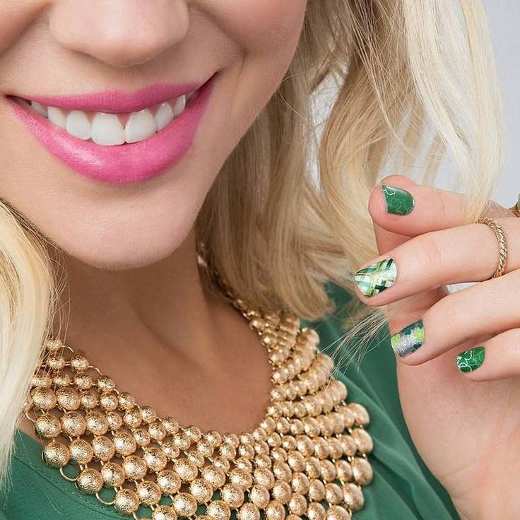 May your luck be #Dublin with our non-toxic nail wraps!  #gogreen #stpattysday #Irish #Ireland #lucky #beauty #makeup #style #fashion #pretty #ootd #aotd