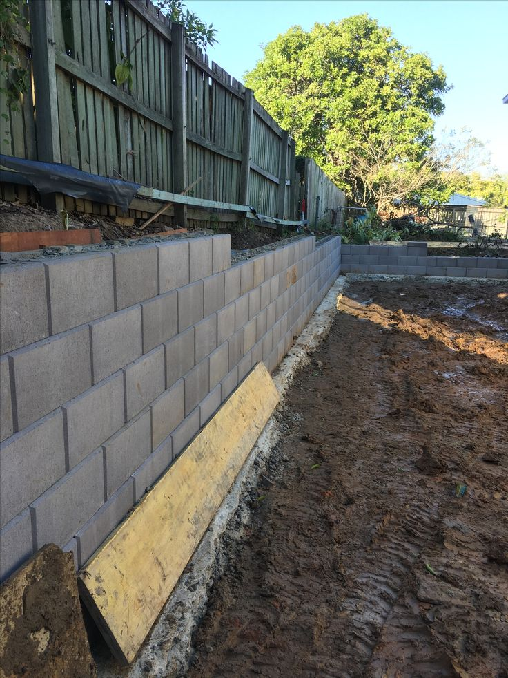 Wall filled and backfilled with no fines
