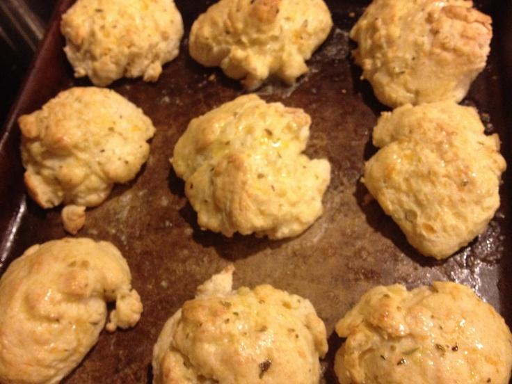 Garlic Cheddar Biscuits | Food: Dinner Ideas | Pinterest