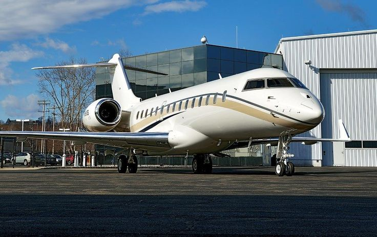 2009 Bombardier Global Express XRS for sale in (MMU) Morristown, NJ USA => www.AirplaneMart.com/aircraft-for-sale/Business-Corporate-Jet/2009-Bombardier-Global-Express-XRS/14151/