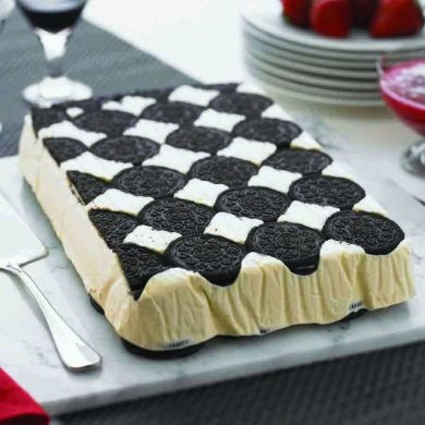 White chocolate Oreo ice-cream slice  #CadburyKitchen