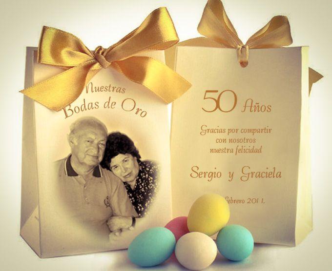 Vas a celebrar tu aniversario de matrimonio número 50? Pues aqui te mostramos unos Recuerdos para Bodas de Oro que dejarán deslumbrados a tus invitados...!!