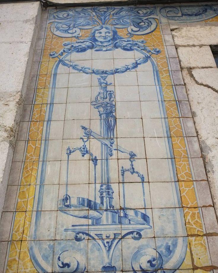 Farmacia #azulejos of scales.  #Lisbon #Portugal #lisboa #lisbonportugal #lisbonlovers #lisbonscenes #lisbonlover #europetravel #traveleurope #europe #europeanvacation #europetravels #travelblog #travelpics #travelphoto #traveling