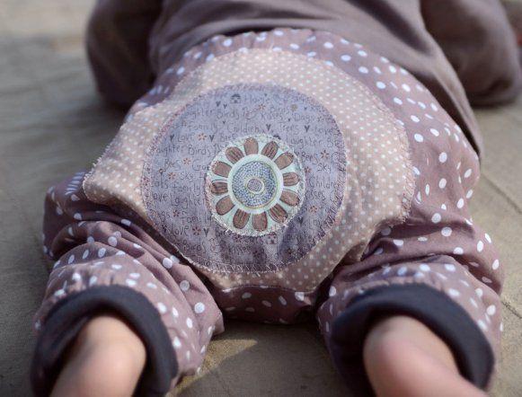 Pláťáčky z puntíkované bavlny, na zadečku a na…