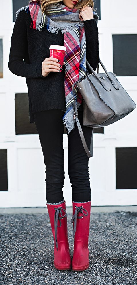 Red Plaid Day: Black shirt paired with black skinny jeans or leggings. Add a large plaid scarf, cute rain boots, and an over-sized purse.