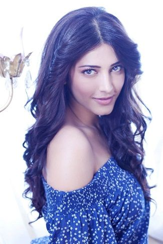 Shruti Haasan is an Indian singer turned actress. Her parents are the noted actors, Kamal Haasan and Sarika. Bollywood actress-singer Shruti was born on January 28, 1986 in Chennai, India. She has appeared in a few Tamil, Telugu and Hindi films. #shrutihassan #shrutihassanmovies
