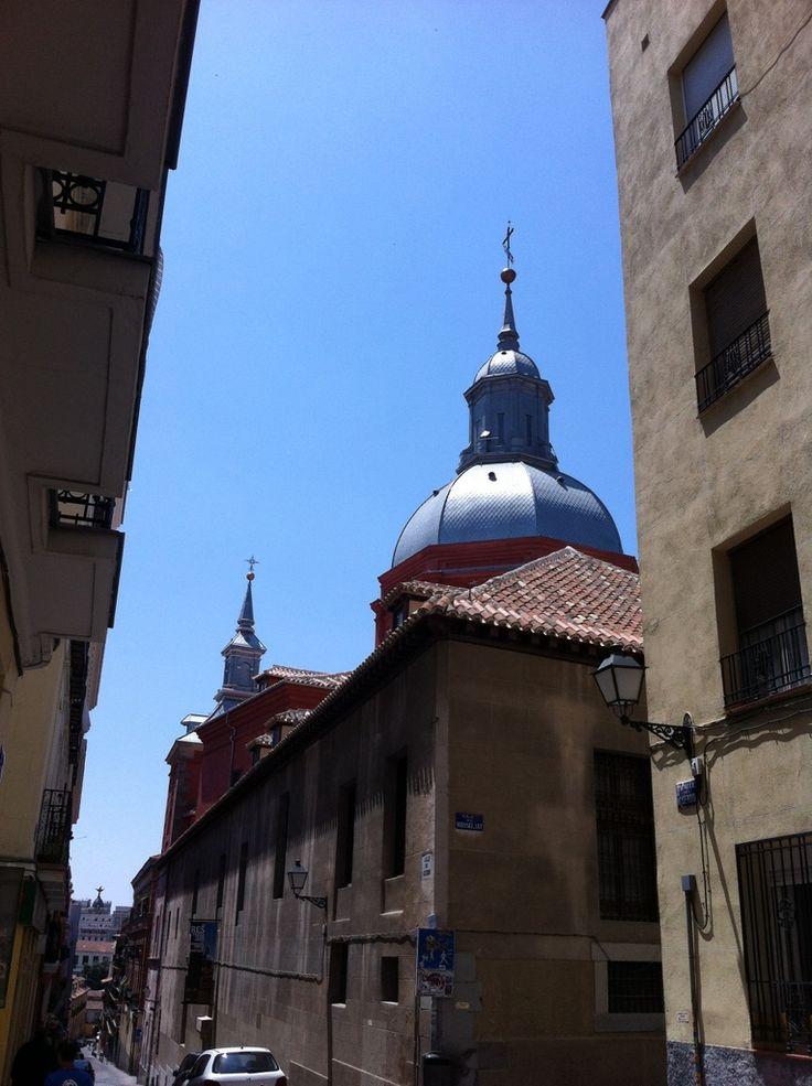 Publicamos la iglesia de las Comendadoras de Santiago. #historia #turismo http://www.rutasconhistoria.es/loc/iglesia-de-las-comendadoras-de-santiago