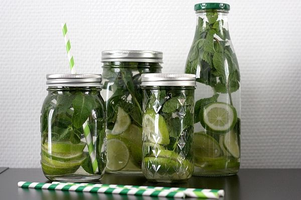 Eau façon mojito : eau parfumée au citron vert et à la menthe