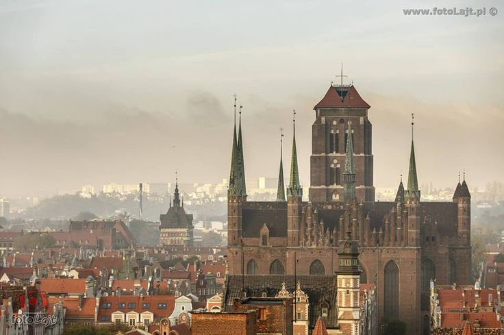 #Architecture of #Gdansk on the #morning. #Beautiful #View. / photo: Adamo Franko