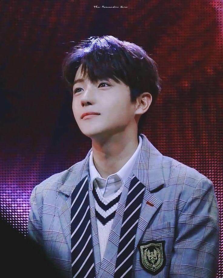 "259 Likes, 1 Comments - THE BOYZ HYUNJAE (@theboyz_hyunjae) on Instagram: ""Look at his eyes sparkle  — [171028] [HQ] Hyunjae @ Heart To Heart © Heroxxe FC: 900 #더보이즈…"""