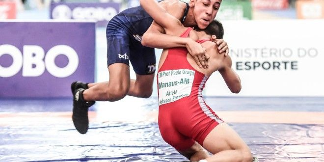 Guilherme Porto leva prata na Luta Olímpica dos Jogos Escolares