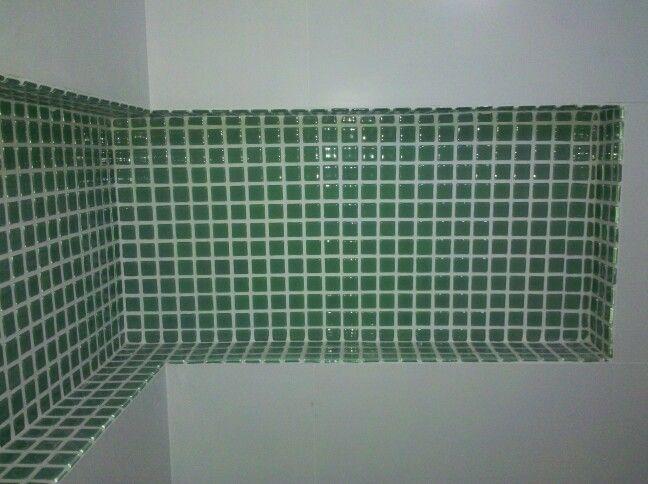 Nicho do box Pastilha Iris Verde Água, da Portinari #banheiro #portinari #b -> Nicho Banheiro Box